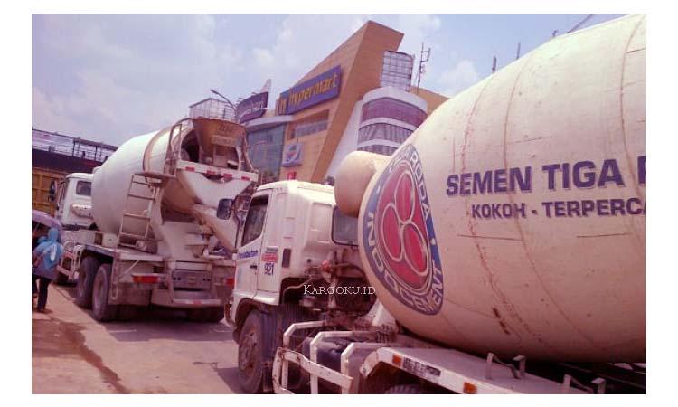 Kargoku - PT Indocement Tunggal Prakarsa Tbk (IDX: INTP) - Adalah salah satu produsen semen di Indonesia. Indocement merupakan produsen terbesar kedua di Indonesia. Selain memeproduksi semen, Indocement juga memproduksi beton siap pakai, serta mengelola tambang agregat dan tras.